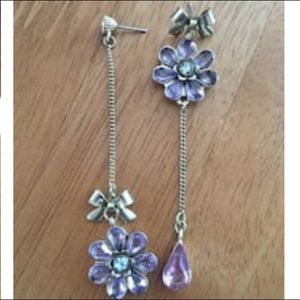 Betsey Johnson purple flower opposite ends earring